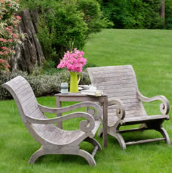 Ξύλινες καρέκλες κήπου