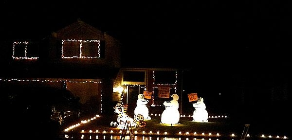 Christmas-Yard-Decorations-1